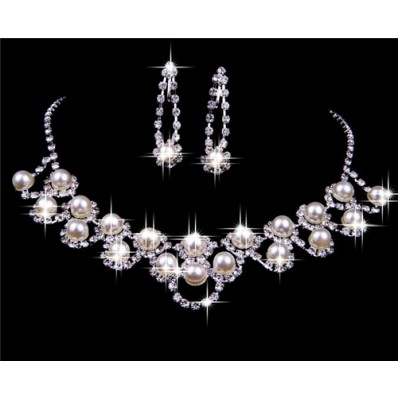 Elegant pearl Wedding Bridal Jewelry Set,Including Necklace And Earrings