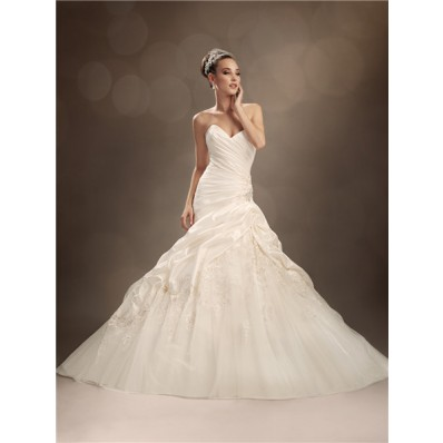 Trumpet/Mermaid sweetheart chapel train taffeta tulle wedding dress