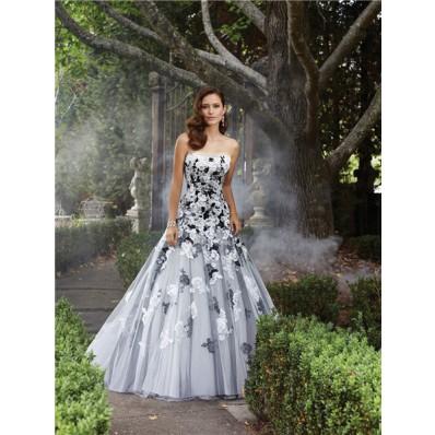Unique A Line Strapless White Black Lace Applique Tulle Wedding Dress Lace Up Back