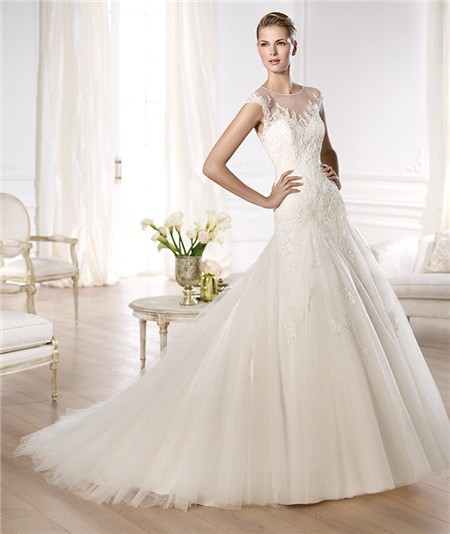 Line Sheer Illusion Scoop Neckline Cap Sleeve Tulle Lace Wedding Dress
