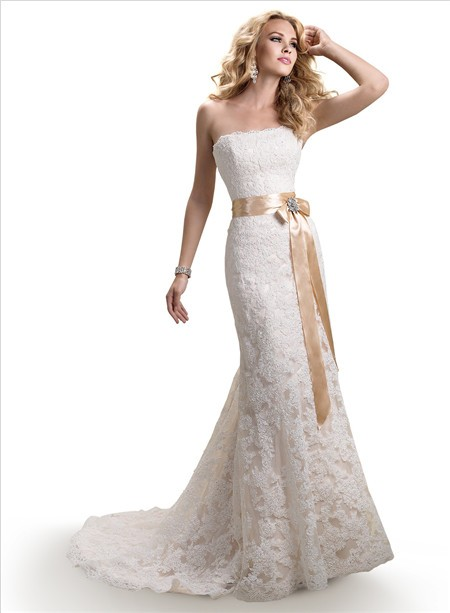 Line Strapless Scalloped Lace Wedding Dress With Gold Ribbon Crystal