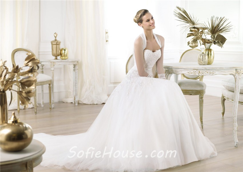 Wedding Gowns With Low Cut Dresses 112