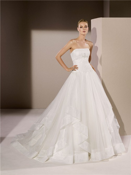 Ball Gown Strapless Drop Waist Applique Tulle Ruffle
