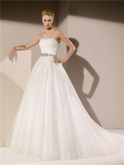 Ball Gown Strapless Tulle Lace Applique Beaded Wedding Dress With ...