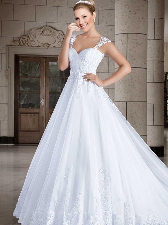 Ball gown sweetheart cap sleeve straps tulle lace wedding for Lace sweetheart wedding dress cap sleeves