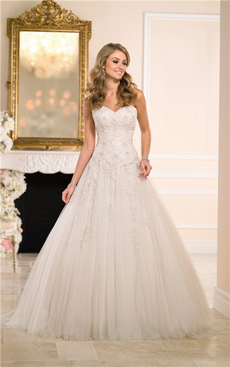 Ball gown sweetheart champagne tulle lace beaded wedding for Sweetheart corset wedding dress