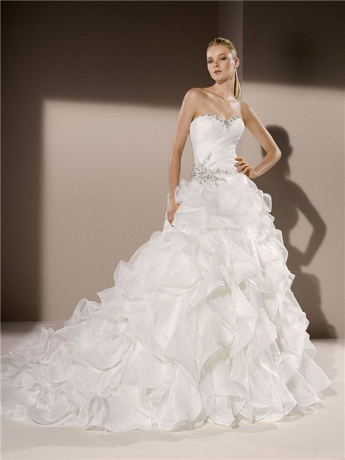 Ball gown sweetheart neckline organza ruffle crystal for Sweetheart corset wedding dress