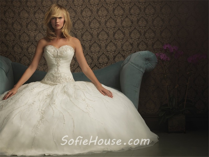 Sparkly Ball Gown Wedding Dresses: Ball Gown Sweetheart Organza Wedding Dress With Sparkle