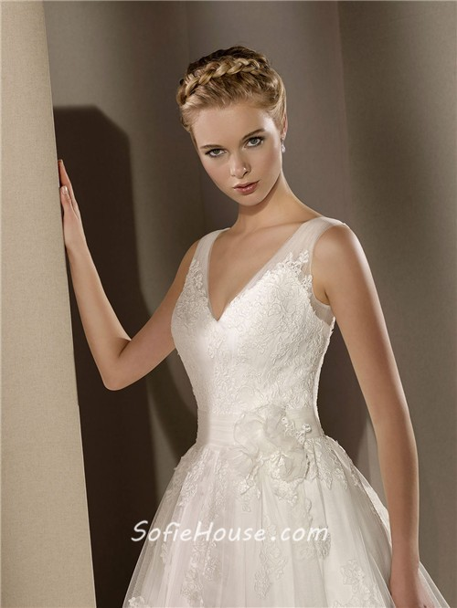 Classic a line v neck low back vintage lace wedding dress for Classic bridal house johor