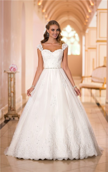 Classic ball gown sweetheart open back lace beaded wedding for Sweetheart wedding dress with straps