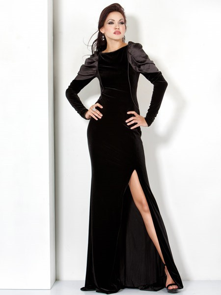 Backless Long Black Velvet Winter Evening Wear Dress With Long Sleeve