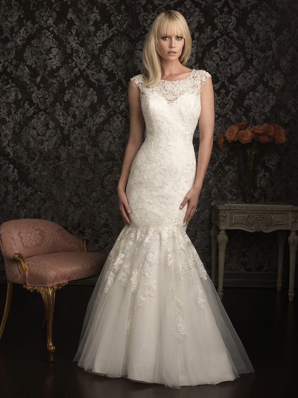 Elegant mermaid cap sleeve scoop neck lace wedding dress for Lace wedding dress with pearls