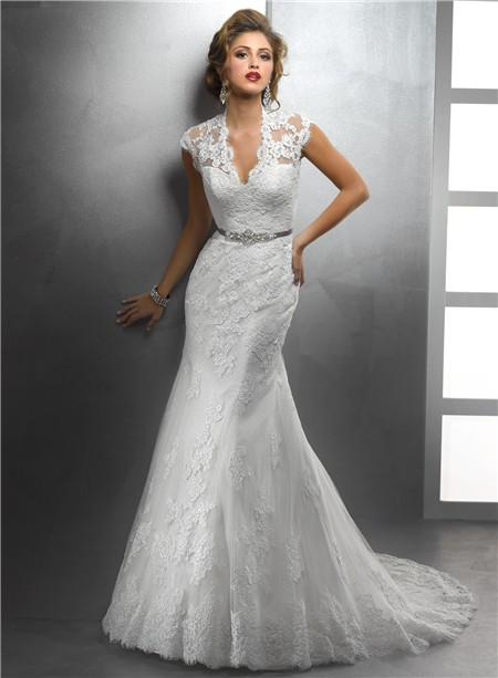 Elegant Mermaid Scalloped V Neck Vintage Lace Modest Wedding Dress ...