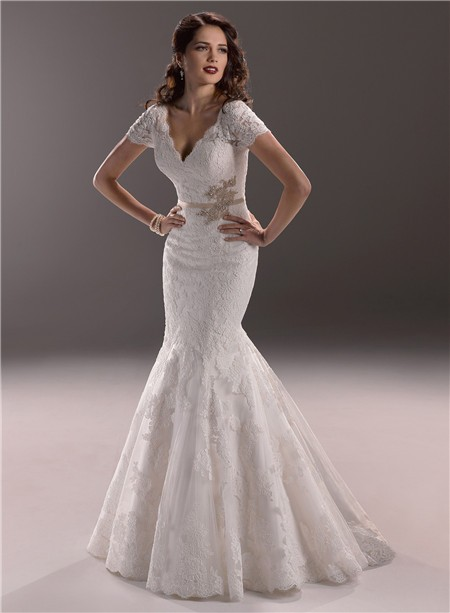 Mermaid V Neck Backless Vintage Lace Wedding Dress With Short Sleeve