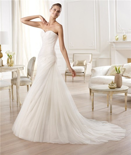 Elegant simple a line sweetheart ruched tulle wedding for A line sweetheart tulle wedding dress