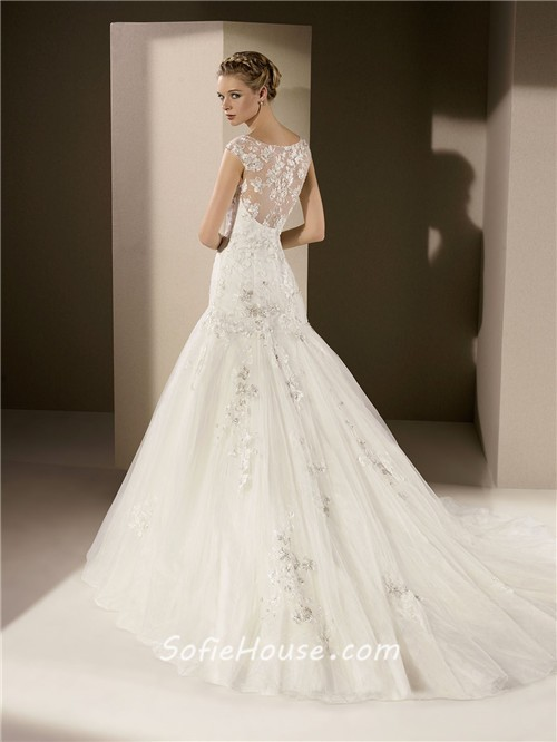 Fit and flare trumpet sweetheart neckline sheer back lace for Fit and flare wedding dress with sweetheart neckline