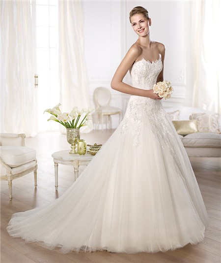 Fitted A Line Princess Scalloped Sweetheart Lace Draped Tulle Wedding Dress