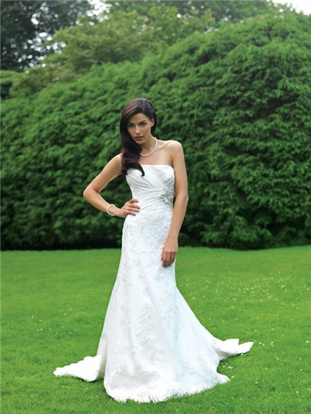 Fitted a line strapless lace garden wedding dress with for Add sparkle to wedding dress