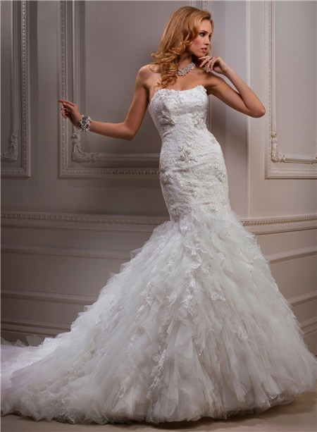 Fitted mermaid strapless beaded lace tulle wedding dress for Beaded lace mermaid wedding dress