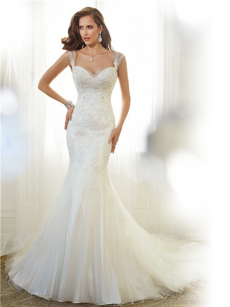 Fitted mermaid sweetheart neckline v back organza lace for Sweetheart wedding dress with straps
