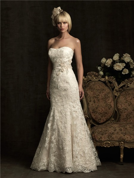Mermaid strapless scoop neck ivory lace wedding dress with for Ivory lace wedding dresses