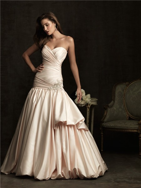 Mermaid sweetheart champagne color satin wedding dress for Satin sweetheart mermaid wedding dress