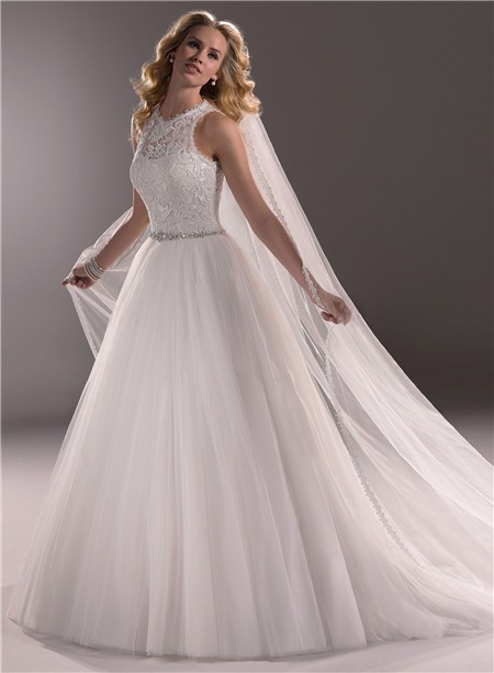 Ball Gown Scoop Neck Lace Tulle Wedding Dress With Crystals Buttons