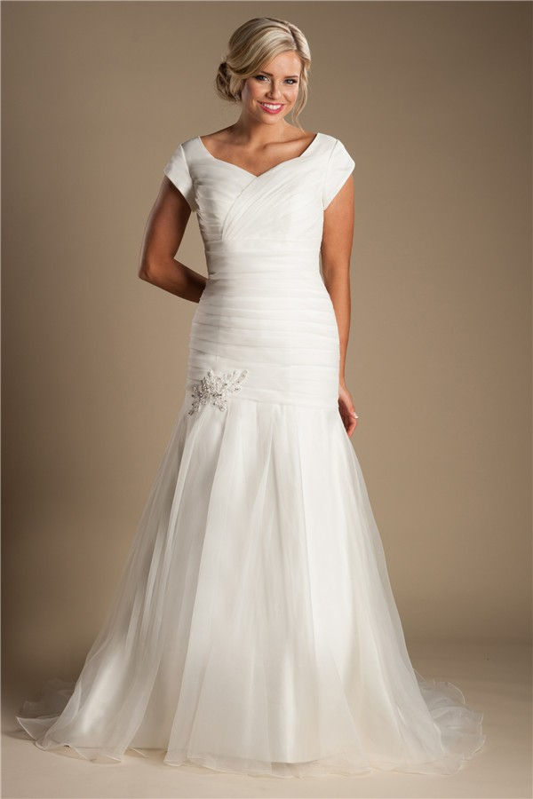 modest trumpet mermaid ruched organza wedding dress with
