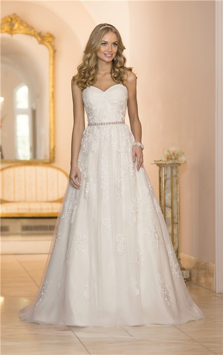 a line lace sweetheart wedding dress