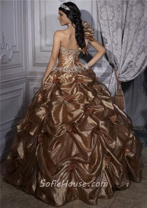 Will this be Meghan Markles wedding dress designer