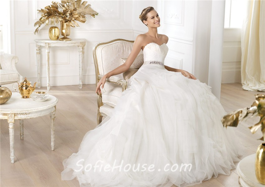 Princess Ball Gown Sweetheart Feather Neckline Layered Organza ...