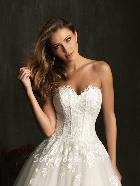 Princess Ball Gown Sweetheart Tulle Lace Corset Wedding Dress With
