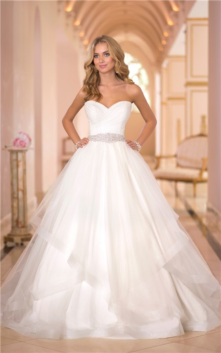 Puffy ball gown sweetheart tulle ruffle beaded crystal for High low ball gown wedding dress