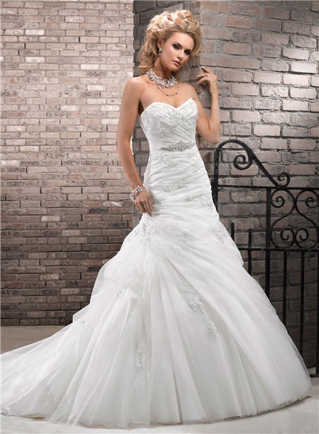 Romantic A Line Sweetheart Ruched Tulle Lace Wedding Dress With