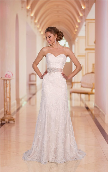 Sheath strapless sweetheart sparkly lace wedding dress for Sparkly beach wedding dresses