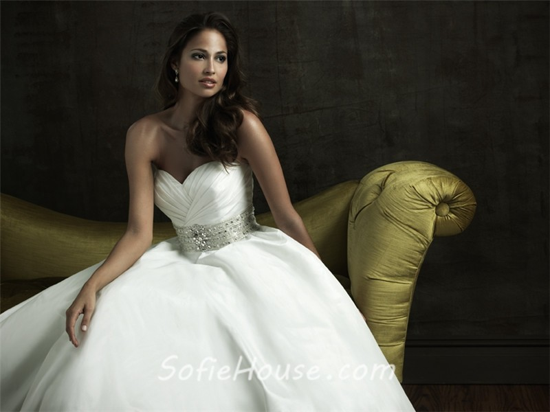 A Line Wedding Dress: Simple A Line Sweetheart Taffeta Wedding Dress With