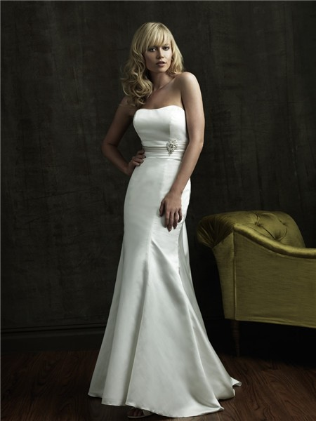 Simple mermaid strapless sweep train satin wedding dress for Simple strapless wedding dress
