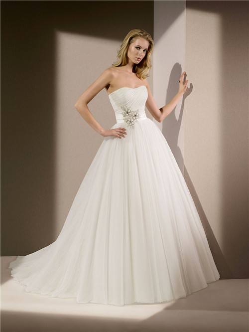Princess Ball Gown Strapless Tulle Beaded Wedding Dress Chapel Train