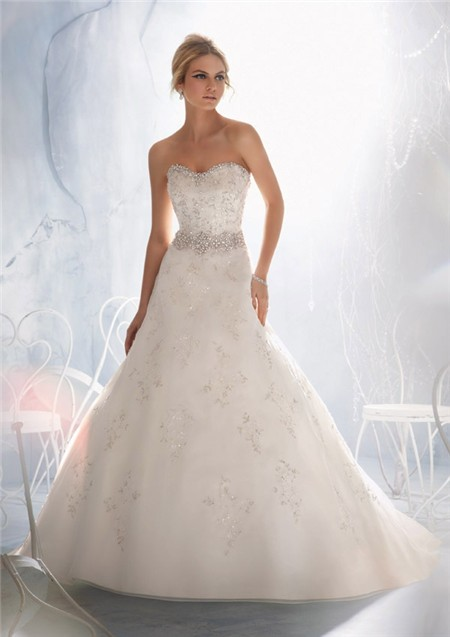 Slim A Line Sweetheart Lace Beaded Crystal Pearls Wedding Dress With ...
