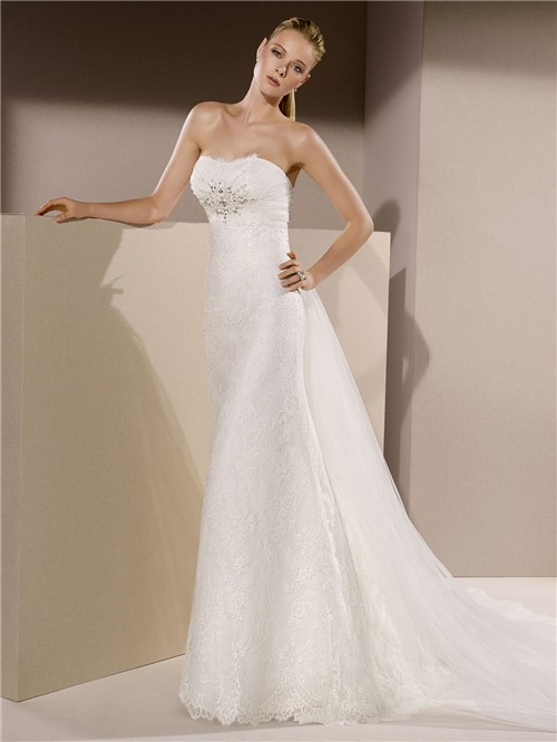 Slim fitted strapless lace beaded crystal wedding dress for Fitted strapless wedding dress