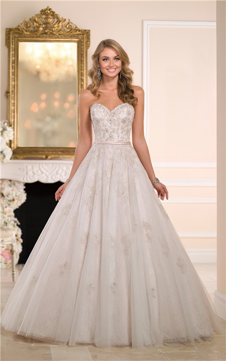 Ball Gown Sweetheart Tulle Lace Crystal Wedding Dress With Belt