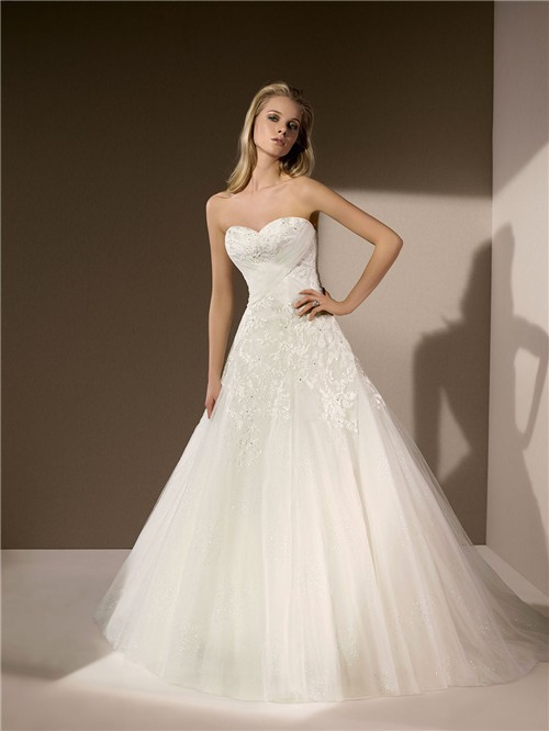 Traditional Ball Gown Sweetheart Neckline Tulle Lace