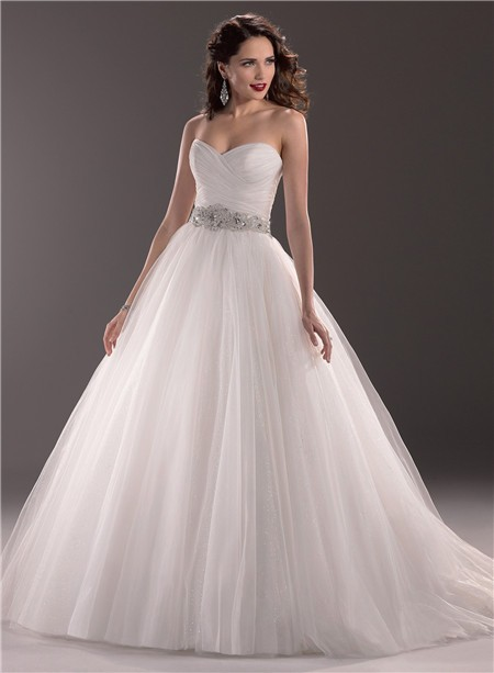 Ball Gown Sweetheart Tulle Wedding Dress With Beading Crystal Belt