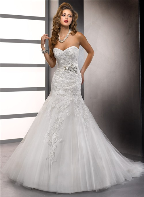 Trumpet Mermaid Sweetheart Tulle Lace Wedding Dress With Beaded Flowers Sash