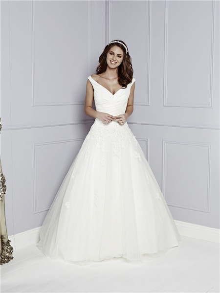 Vintage A Line V Neck Back Off The Shoulder Tulle Lace Beaded Wedding Dress With Buttons