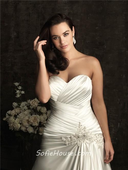 A line sweetheart court train silk satin plus size vintage for Silk vintage wedding dresses