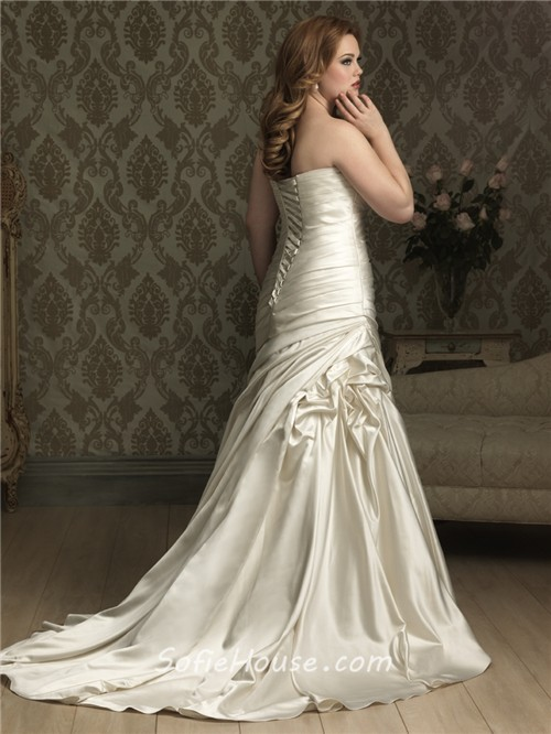 Mermaid sweetheart court train ivory silk satin plus size for Plus size silk wedding dresses