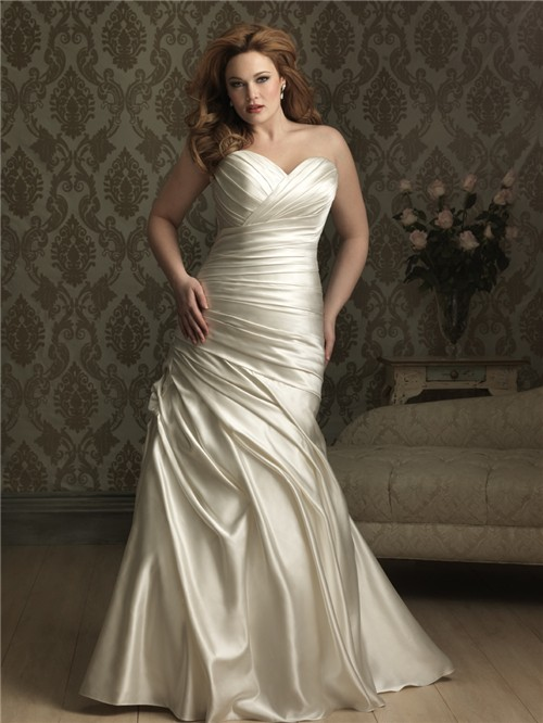 Mermaid sweetheart court train ivory silk satin plus size for Satin sweetheart mermaid wedding dress