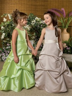 A-line Princess Scoop Floor Length Green Taffeta Wedding Flower Girl Dress With Sash