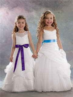 A-line Princess Scoop Floor length White Organza Flower Girl Dress with Sash Bow